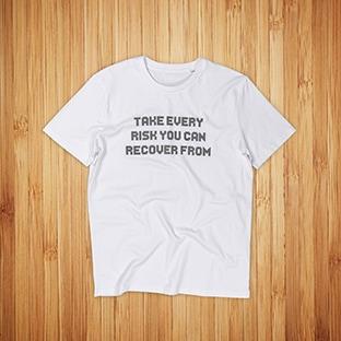 OP Lab valkoisten t-paitojen painatus