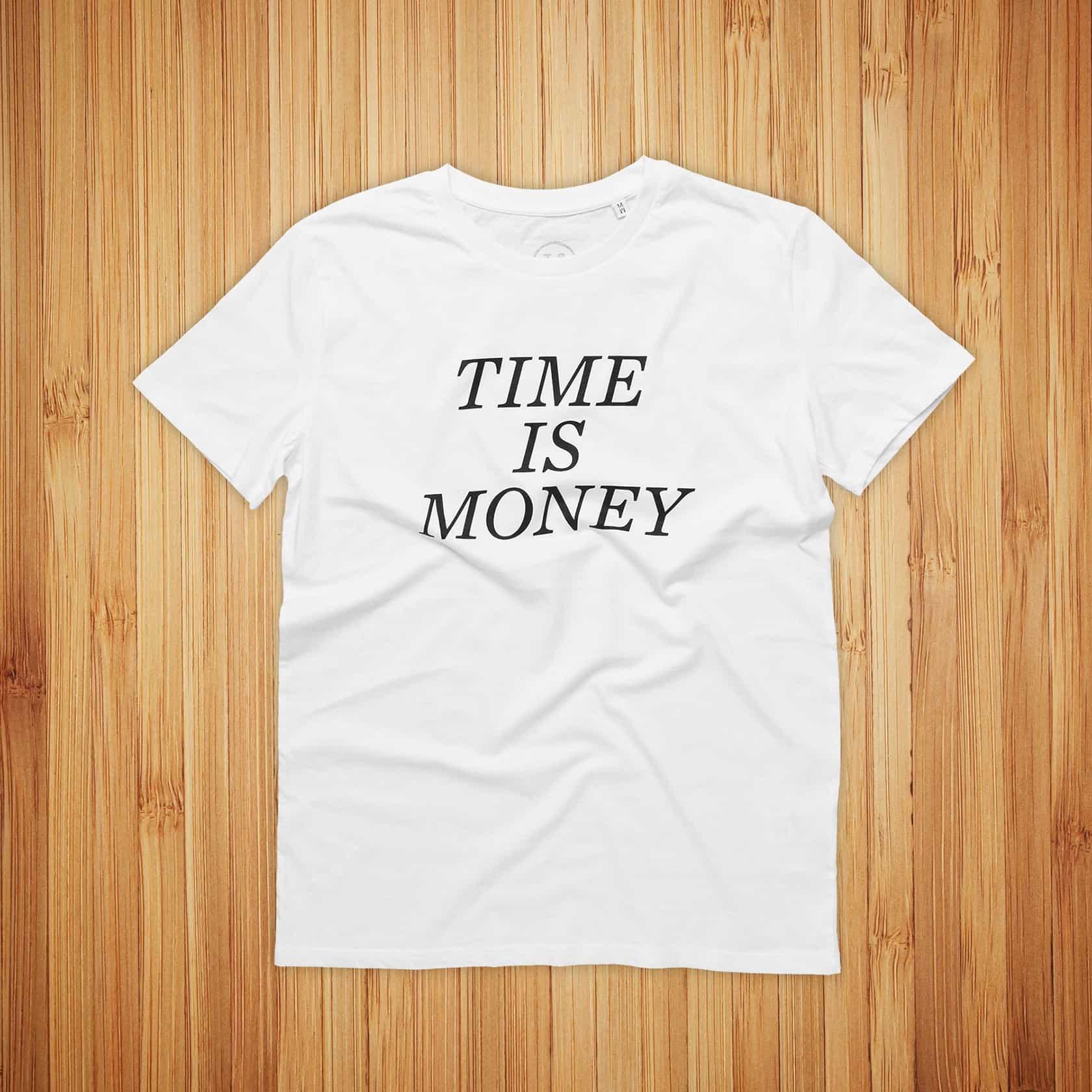 STTK, valkoinen t-paita ja musta painatus